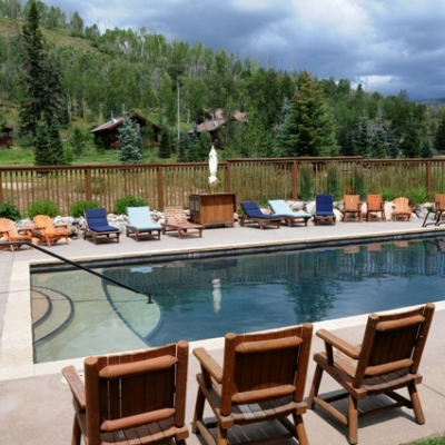 Pool at Vista Verde Guest ranch, a luxury dude ranch located north of Steamboat Springs Colorado.