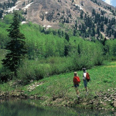 colorado-guest-ranch-summer-activities-hiking