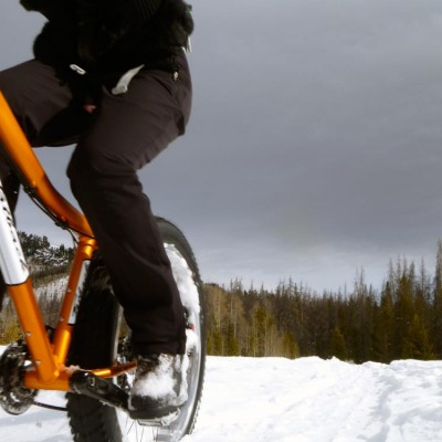 colorado-winter-vacation-snow-biking