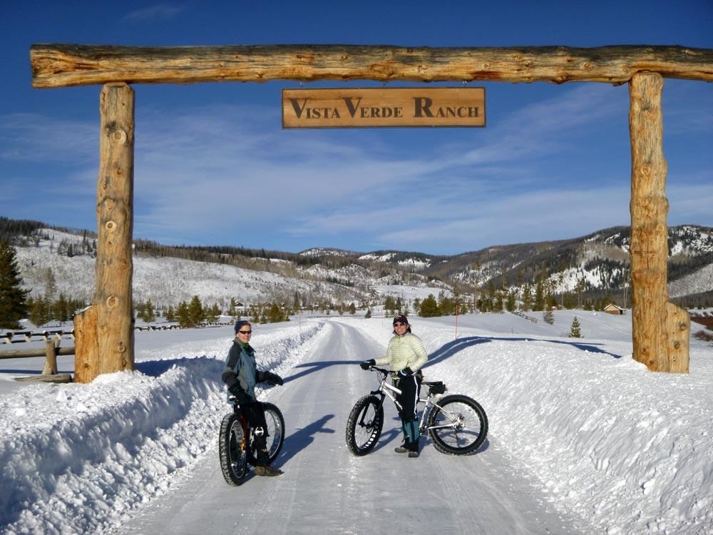colorado-winter-vacation-snow-biking