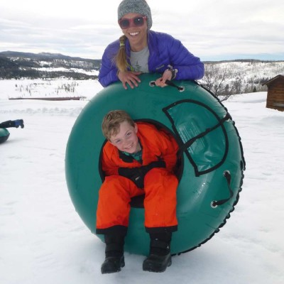 colorado-vacation-winter-kids-and-teens-sledding-tubing