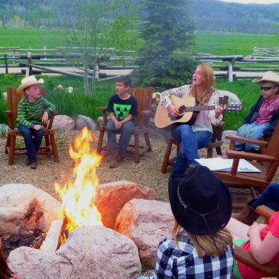 family-dude-ranch-vacation