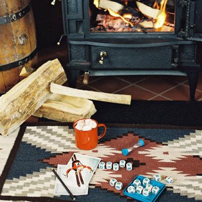 romantic-cabin-winter-getaway