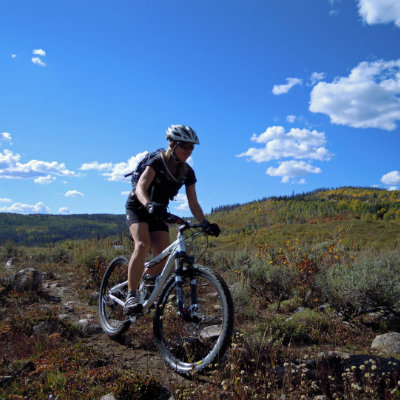 solo-dude-ranch-vacation-mountain-bike