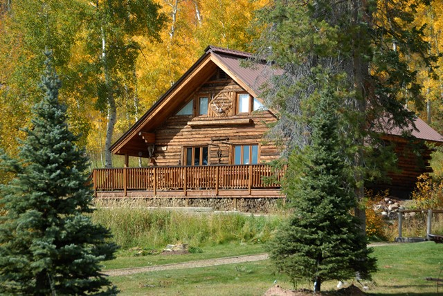 A luxury guest ranch cabin at Vista Verde Guest Ranch in Colorado