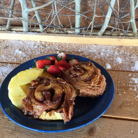 sticky bun recipe from Vista Verde Ranch