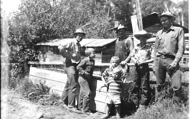 history of a colorado dude ranch